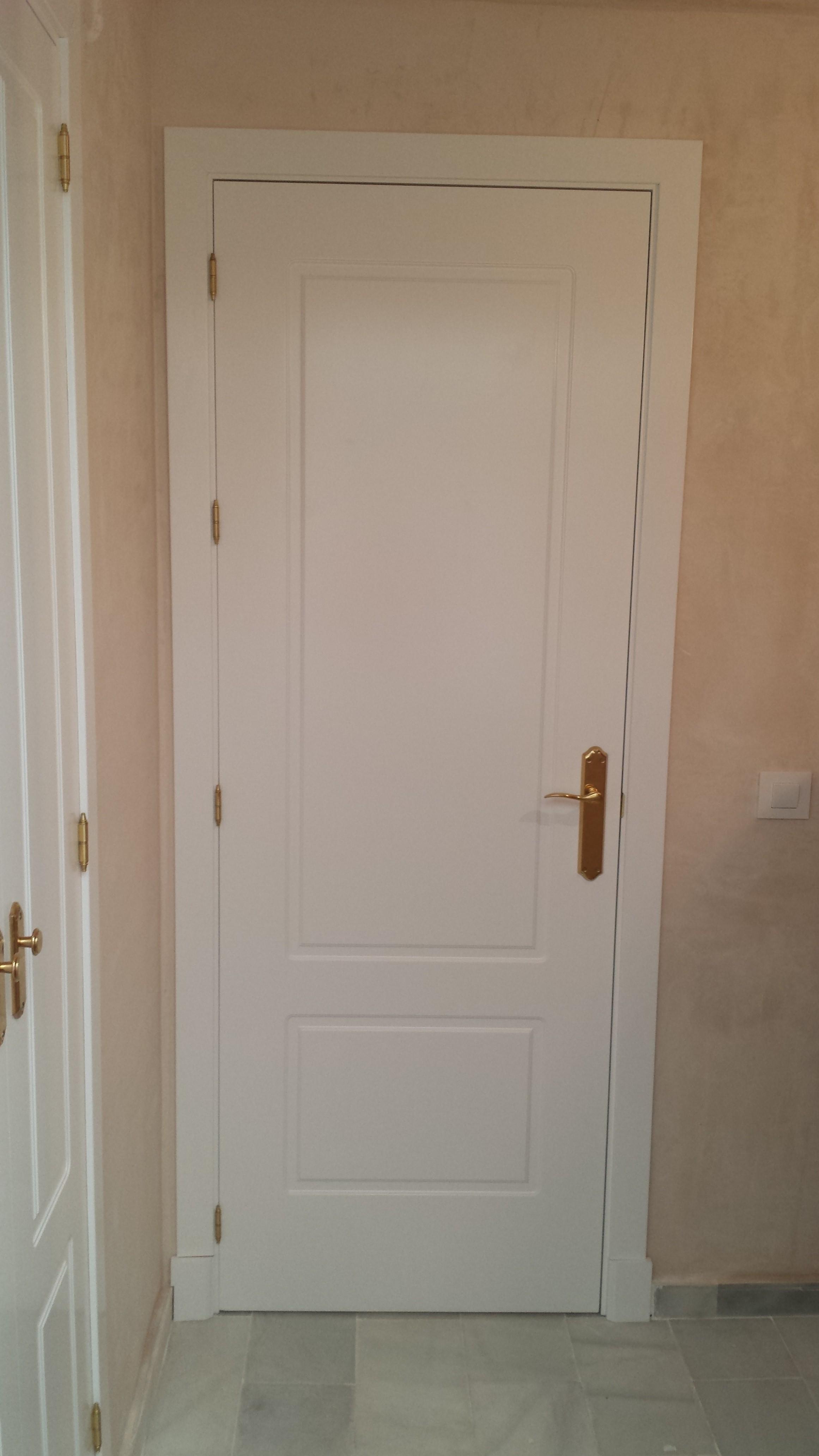 Carpinteria mc carpinter a de madera c diz jerez for Puertas de madera malaga
